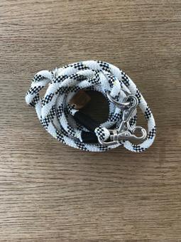 Hundeleine aus Regatta-Segeltau 3m Farbe Schwarz/Weiß mit schwarzer Takelage
